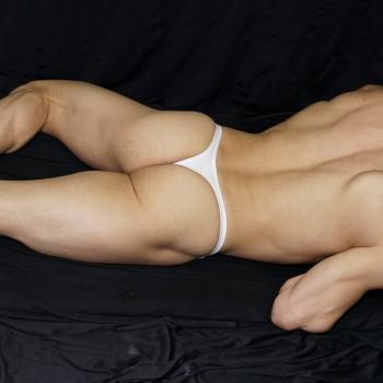 sutien tradicional de algodon con elastano, vista acostado de espalda.