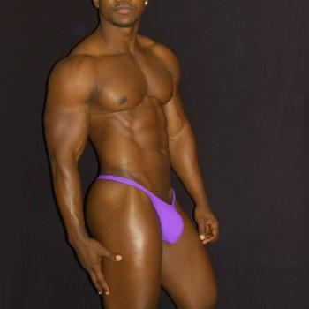 sutien hombre color purpura