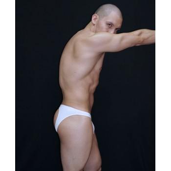 slip hombre color blanco con trasero descubierto.