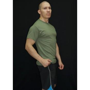 polera hombre tubular, manga corta, cuello polo. Sin costuras, color verde