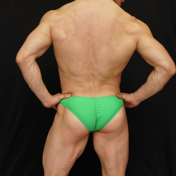 sunga para fisicoculturismo en color verde