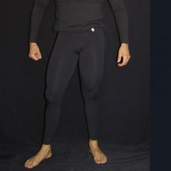 calza larga hombre algodon con spandex negro, vista de pie de frente
